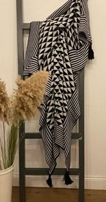 Black White Püsküllü Koltuk Şalı - CLB03SAL görseli