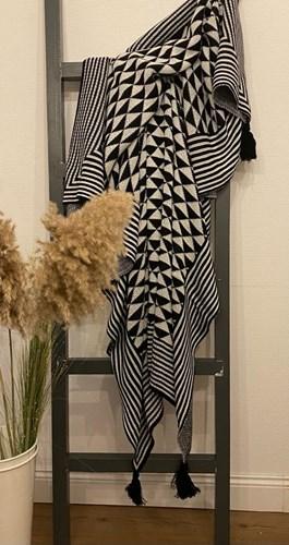 Black White Püsküllü Koltuk Şalı - CLB03SAL görseli, Picture 1